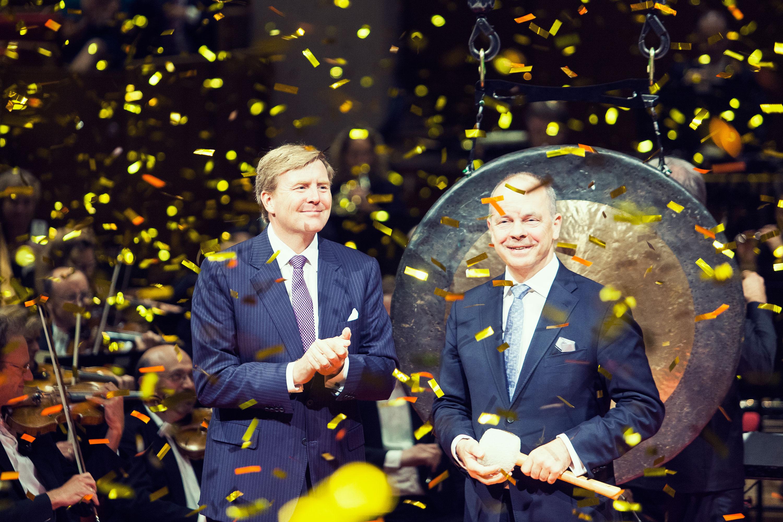 Koning Willem Alexander tijdens de ingebruikname van TivoliVredenburg door Juri Hiensch