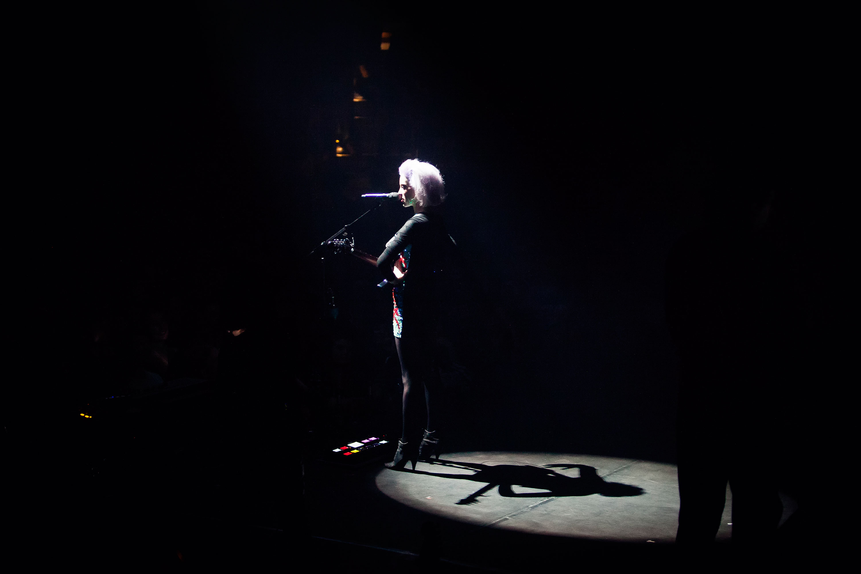 St. Vincent @ Le Guess Who? 2014 door Juri Hiensch