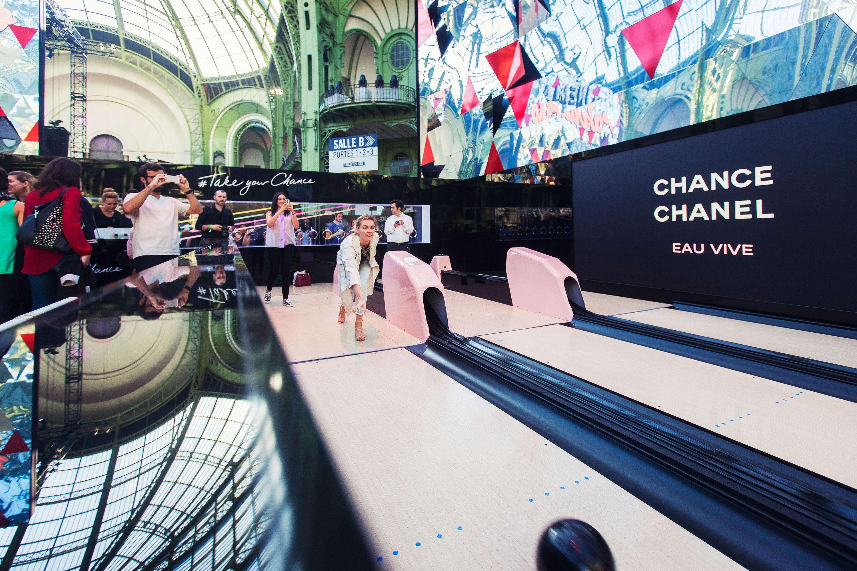 Chanel bowlingbaan door Juri Hiensch