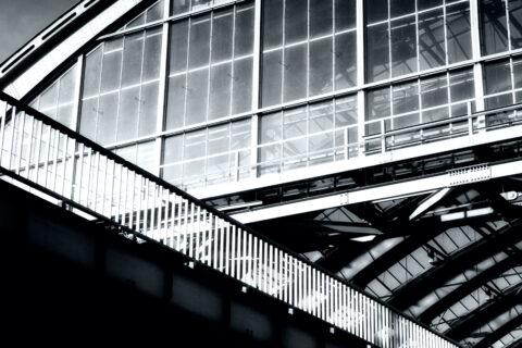 Berlin Ostbahnhof door Juri Hiensch